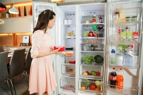 tủ lạnh kêu ồn
